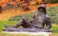 220px-Irvington_statue_of_Rip_van_Winkle